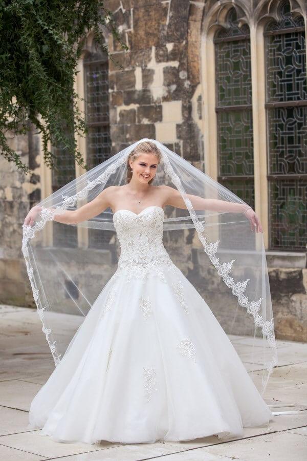 Clarkson van Bridal Star