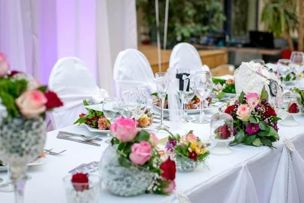 Stoel en tafel indeling bruiloft