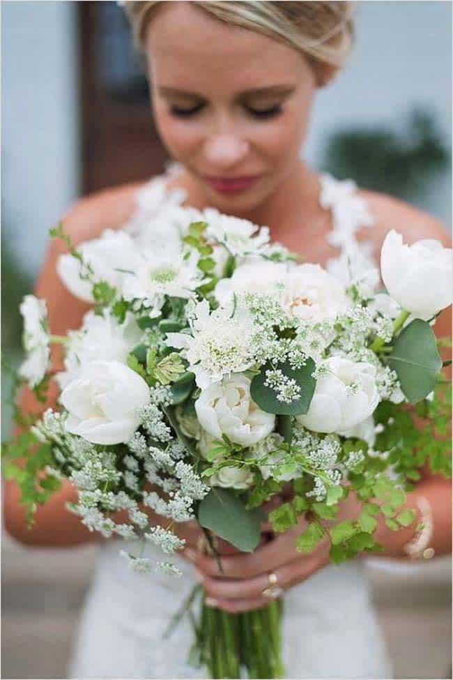 Bruidsboeket witte tulpen dille