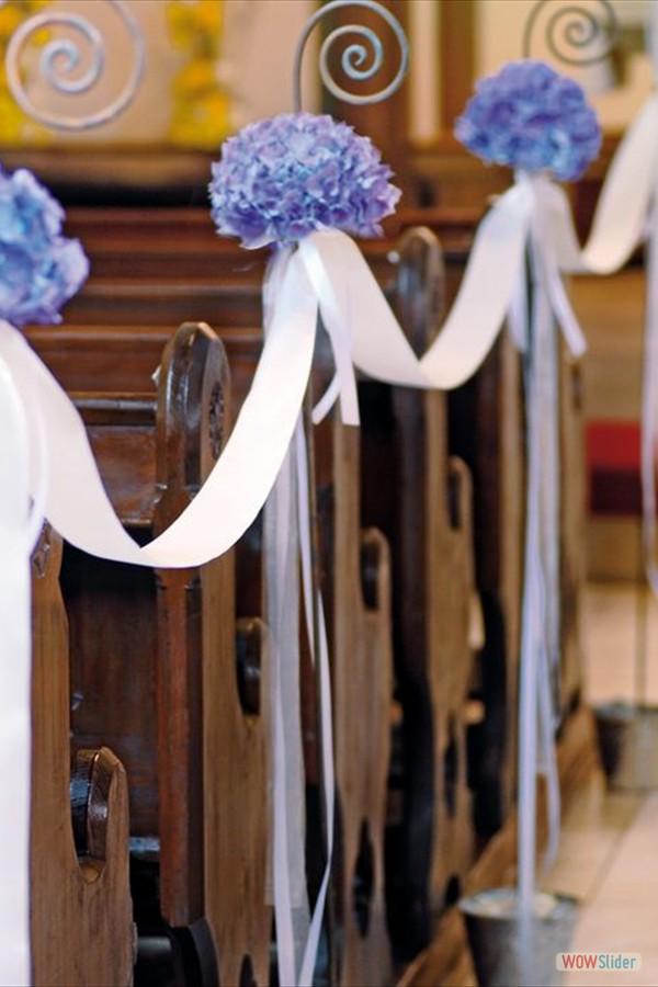 Kerkbanken decoratie huwelijk
