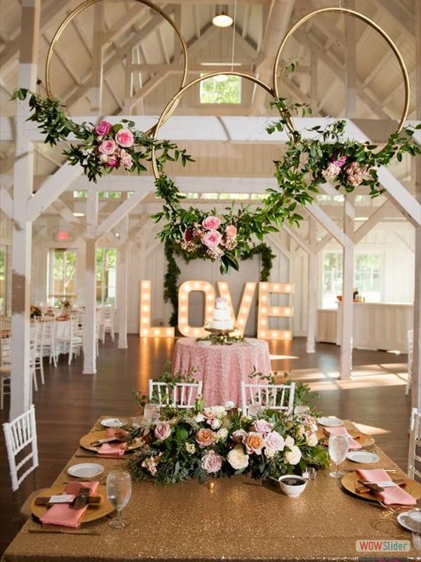 Zaaldecoratie bruiloft